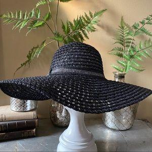 NWT Large Brim Floppy Straw Hat